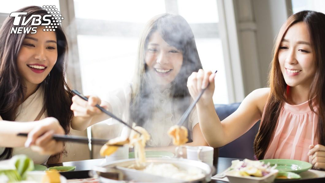 示意圖/TVBS 「祛寒聖物」吃啥好? 羊肉爐vs薑母鴨網友戰翻