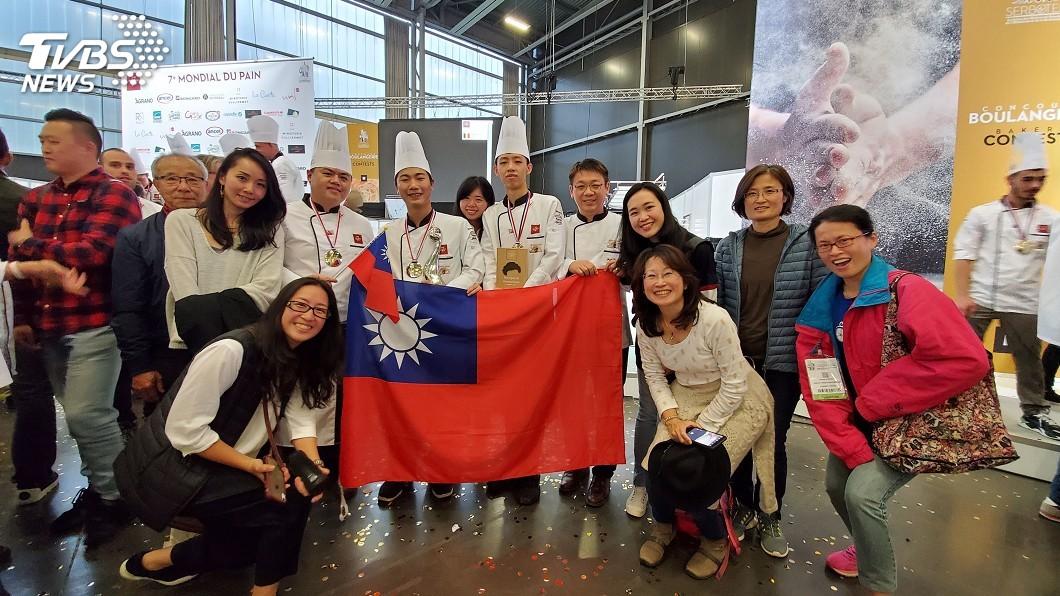 圖/王鵬傑提供 世界麵包大賽奪亞軍 選手為台灣贏得尊敬