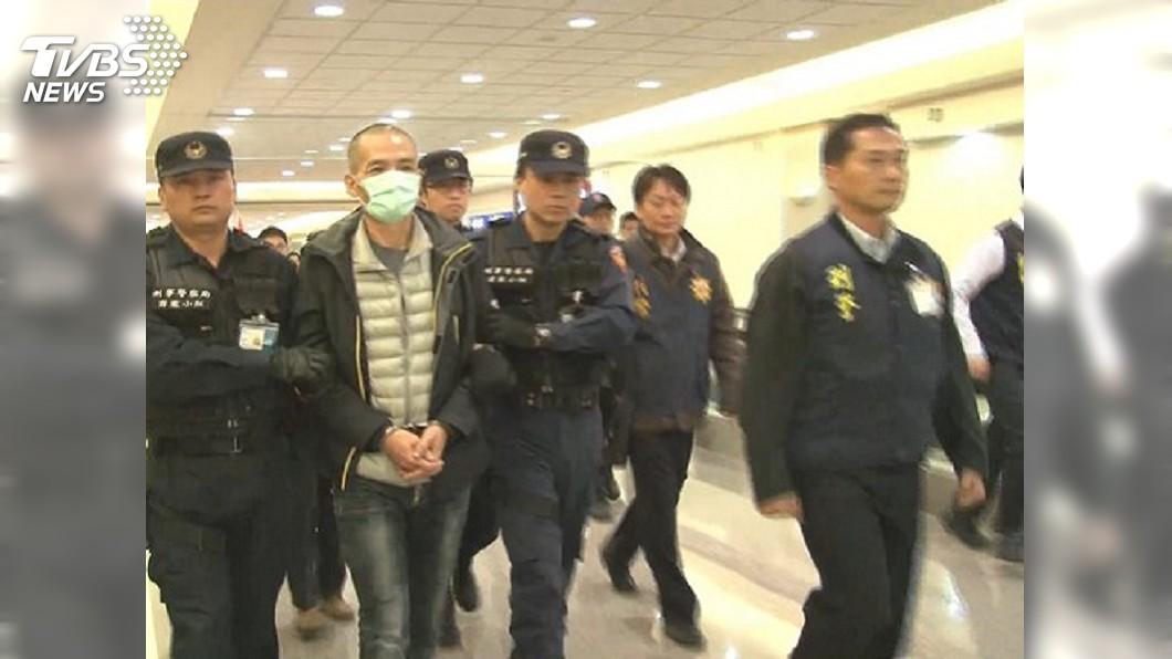 圖/TVBS資料畫面 台港移交犯嫌有前例 水泥封屍案空橋交給港警