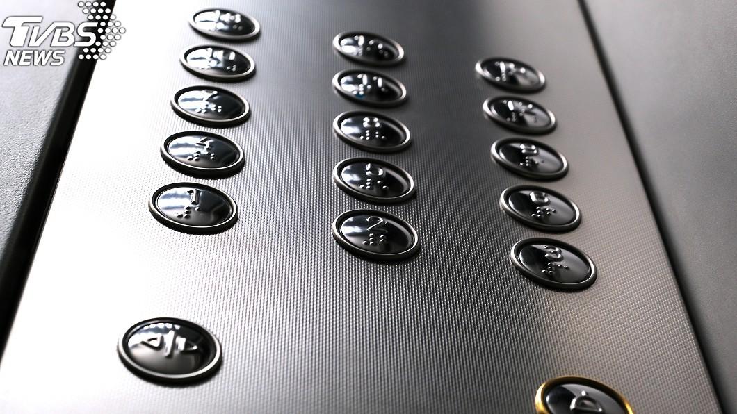 電梯示意圖/TVBS 家住14樓!進電梯1→28樓全按 男星理由曝光超扯