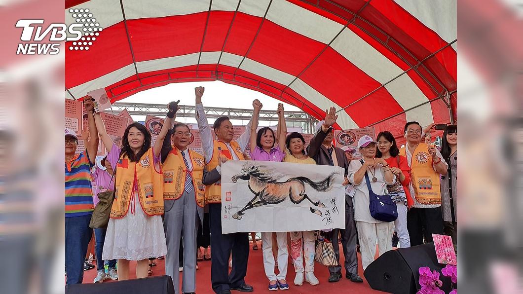 圖/中央社 洪恒珠宣布脫黨參選立委 唯一變數蘇震清要選