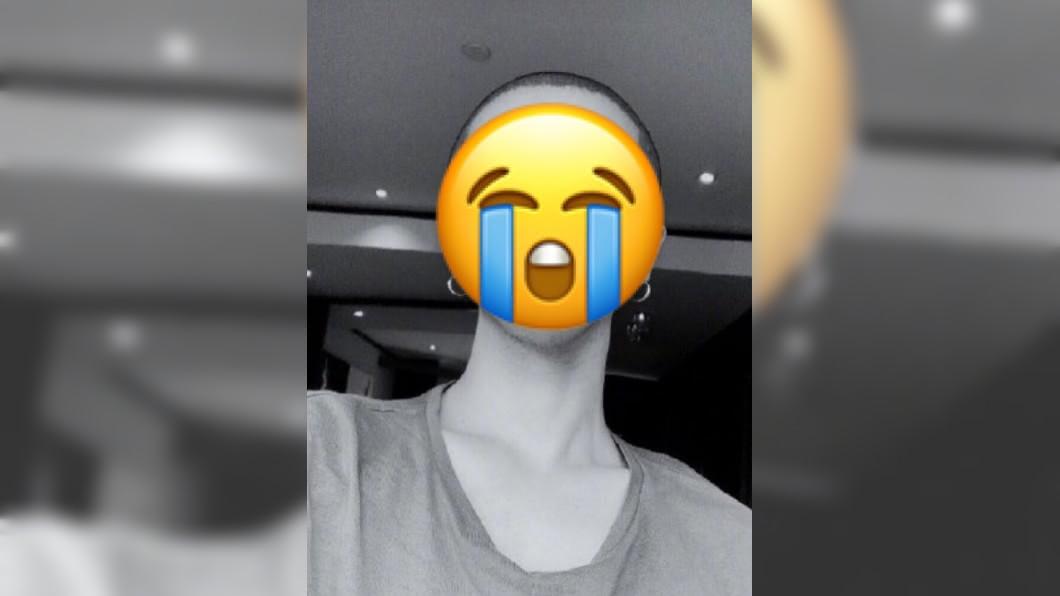 華晨宇在微博貼出了平頭照。圖/翻攝自華晨宇微博 太夯錯了!男星搶不到自己演唱會門票 剃平頭履諾言