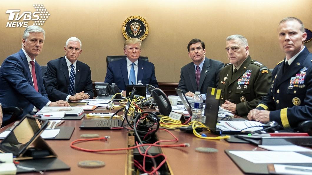 圖/達志影像美聯社 追擊恐攻首腦 戰情室照片凸顯川普、歐巴馬大不同