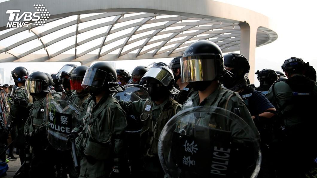 圖/達志影像路透社 警媒衝突不斷 香港記者遭警方強脫面罩逮捕