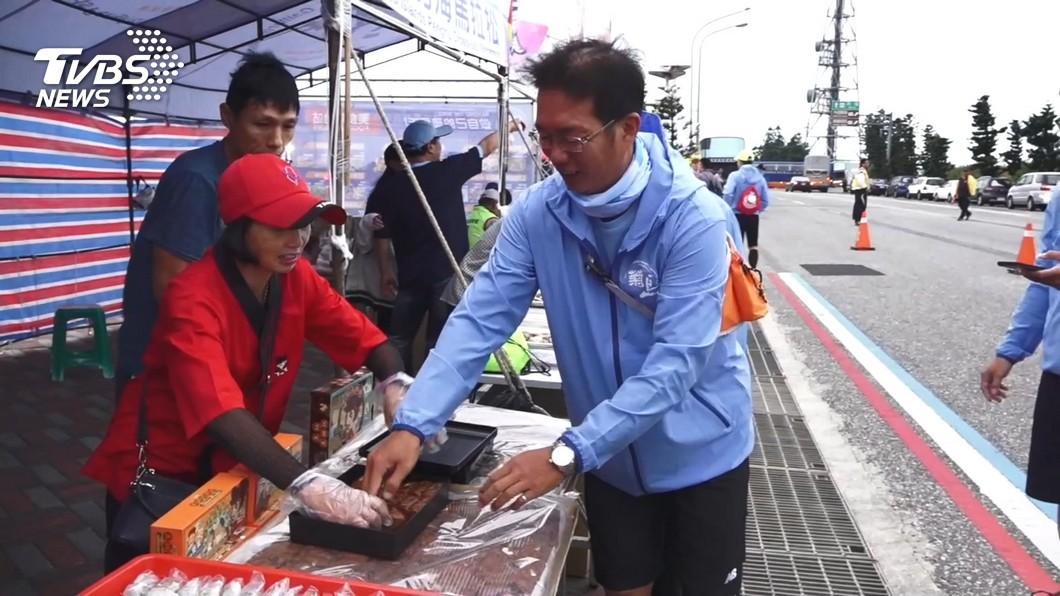 圖/TVBS 邊跑邊吃!馬拉松賽 美食補給站「超澎湃」