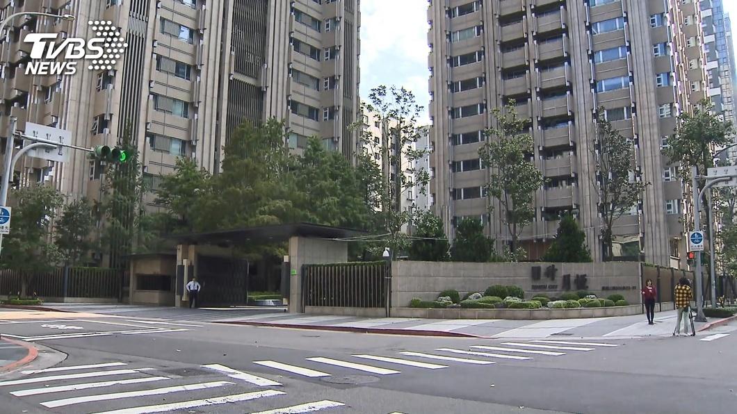 圖/TVBS 韓國瑜豪宅爭議民眾控台肥 北檢將分案偵辦