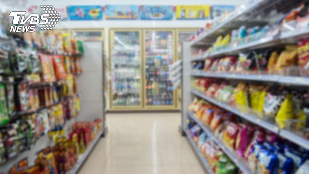 台灣的便利超商數量密度是全球之冠。(示意圖/TVBS) A店買餐去B店微波…店員拒絕幫忙 奧客抱怨反被轟