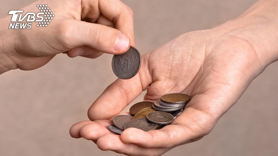 示意圖/TVBS 不爽奧客付229個1元硬幣 外送員一招秒打趴