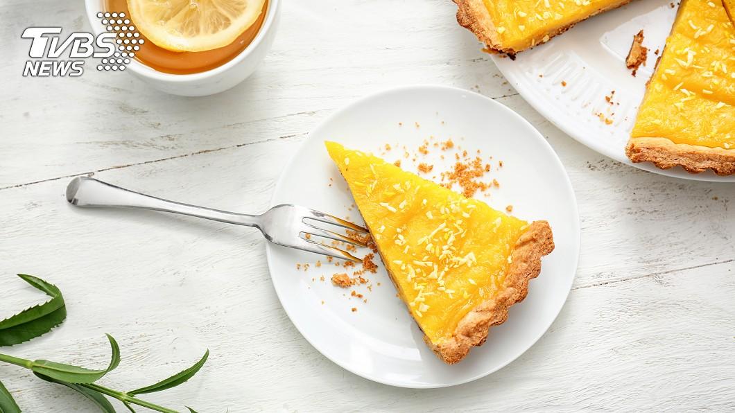 檸檬塔酸甜好吃。示意圖/TVBS 女友最愛檸檬塔終於到貨…分手哥炫耀:我獨享了 網鼻酸