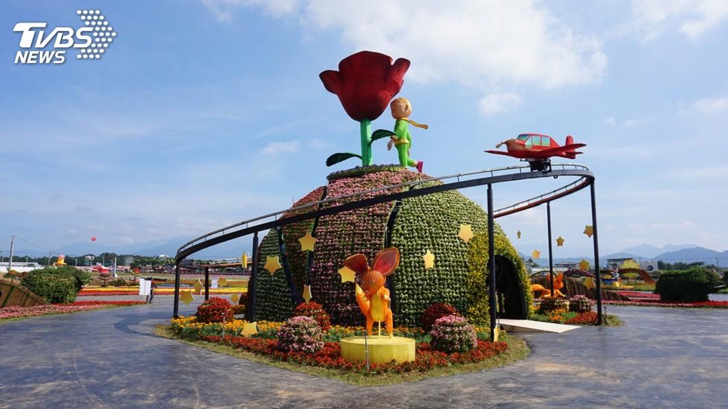 圖/中央社 台中國際花毯節開幕前夕 民眾爭睹小王子玫瑰
