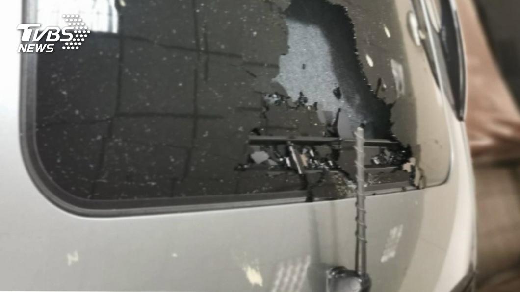 國4拆橋防護不周?車天窗遭砸破 廠商賠7萬