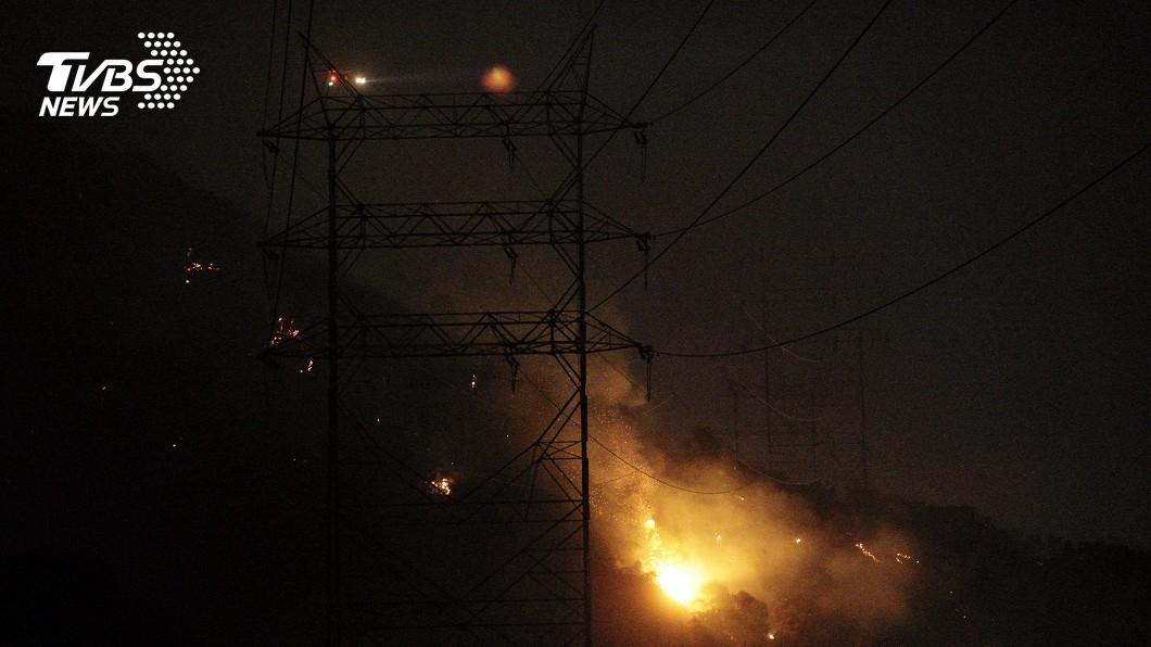 圖/達志影像美聯社 加州野火肆虐 好萊塢山區爆發新起火點