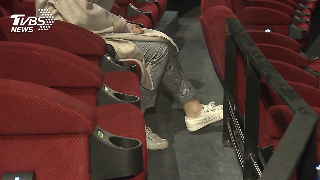 示意圖/TVBS資料畫面 同期曾達60億 中國初一電影票房僅780萬