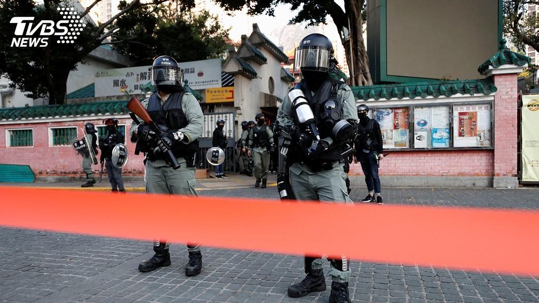 圖/達志影像路透社 港警開槍 反送中示威者疑近距離中槍