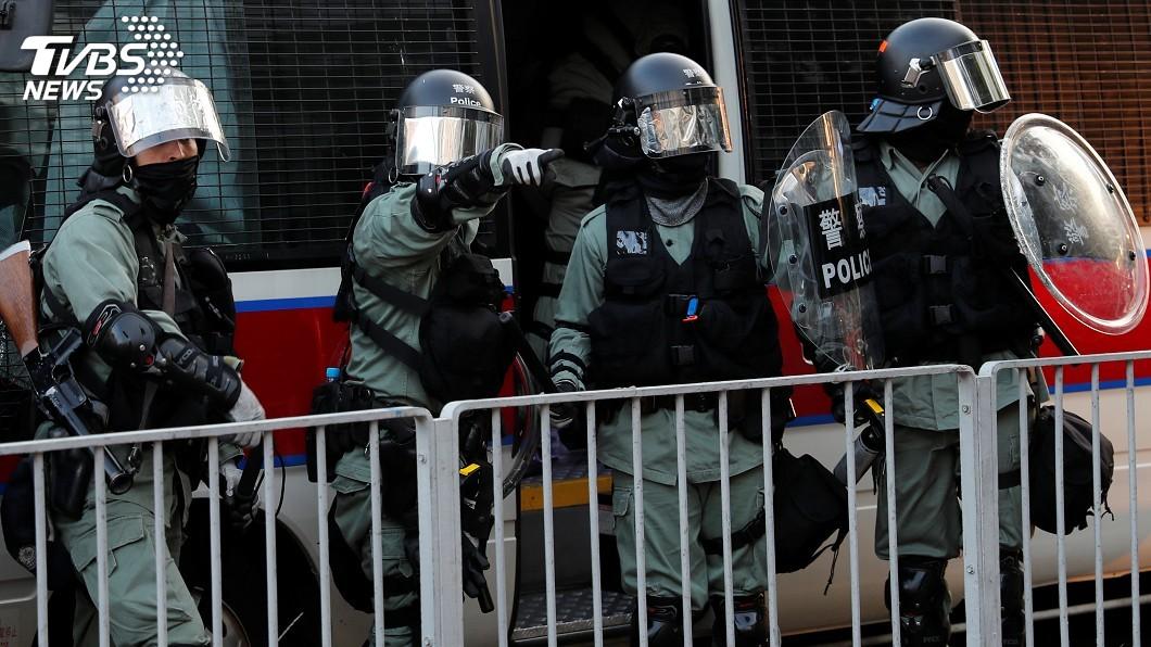 圖/達志影像路透社 「三罷」遊行爆衝突 港警開3槍2示威者受傷