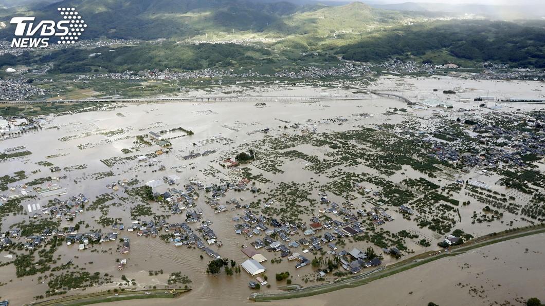 圖/達志影像路透社 颱風哈吉貝襲日滿月 農林漁損恐直逼西日本豪雨