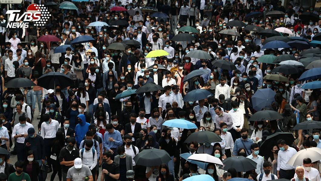 圖/達志影像路透社 香港各大學續停課 仍有人在校外堵路