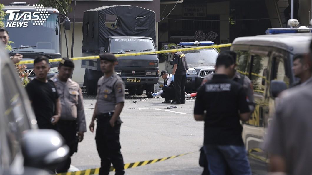 圖/達志影像美聯社 印尼警署疑遭自殺炸彈客攻擊 6人受傷凶嫌死亡