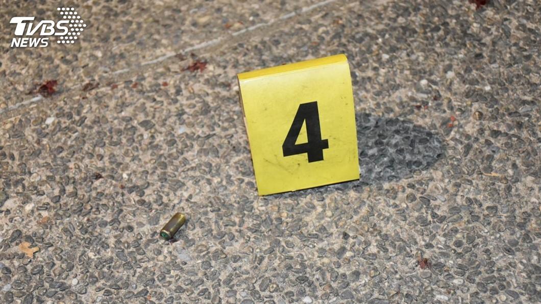 圖/警方提供 債務糾紛鬥毆傳槍響 高雄警現場拾獲裝飾彈