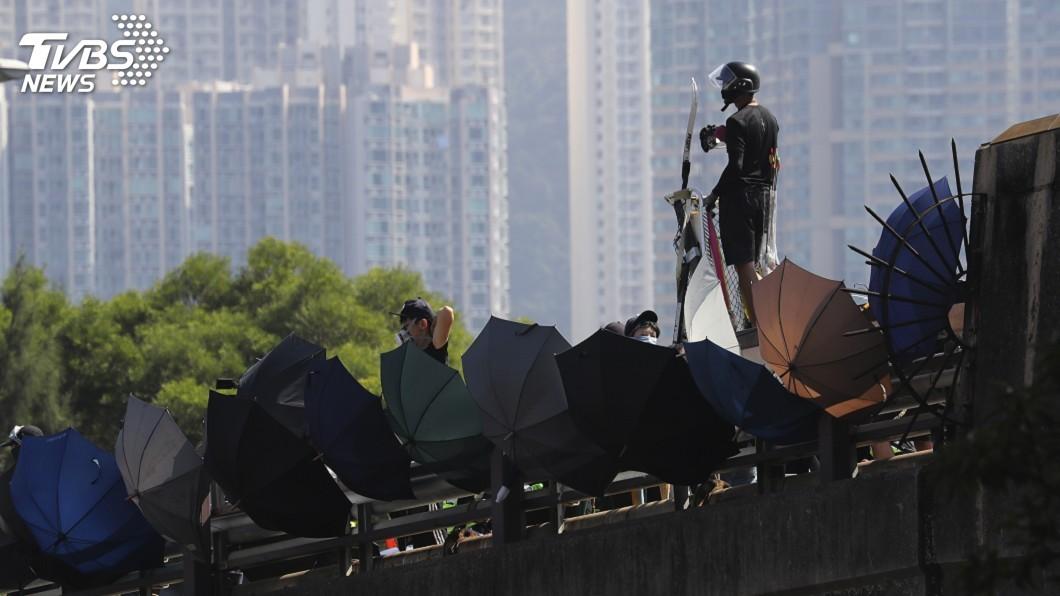 圖/達志影像美聯社 香港中大留守示威者 一半是校外人士