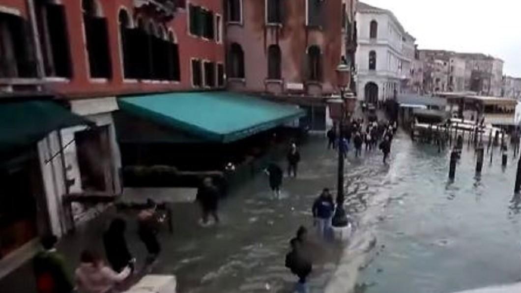 圖/翻攝自Inside Edition YouTube 50年來最嚴重淹水! 水都威尼斯進入緊急狀態