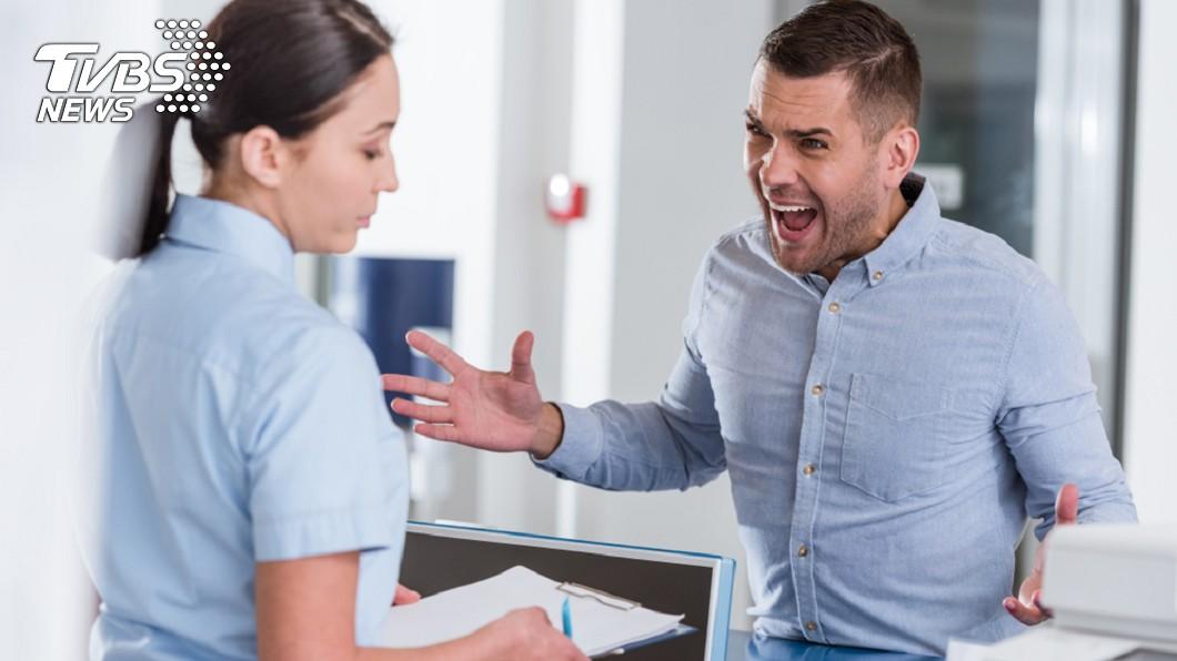 男子對護理師咆哮,遭判刑4月。非當事人。示意圖/TVBS 不滿急診護理師態度 男怒嗆「我會打妳」遭判刑