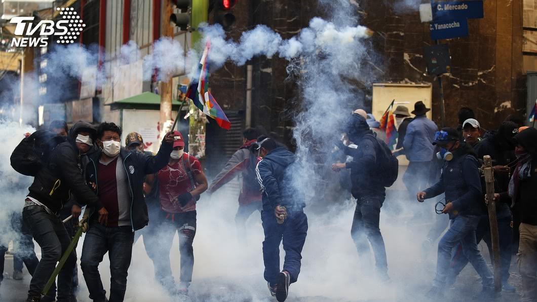 圖/達志影像美聯社 玻利維亞動亂物資缺 臨時總統稱盡快重新選舉