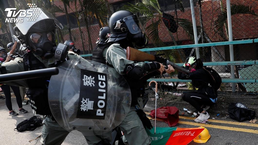 「反送中」警民衝突延燒,香港理工大學成戰場。(圖/達志影像/路透社) 挺港!憑學生證「免費吃」:直到香港光復那一天!