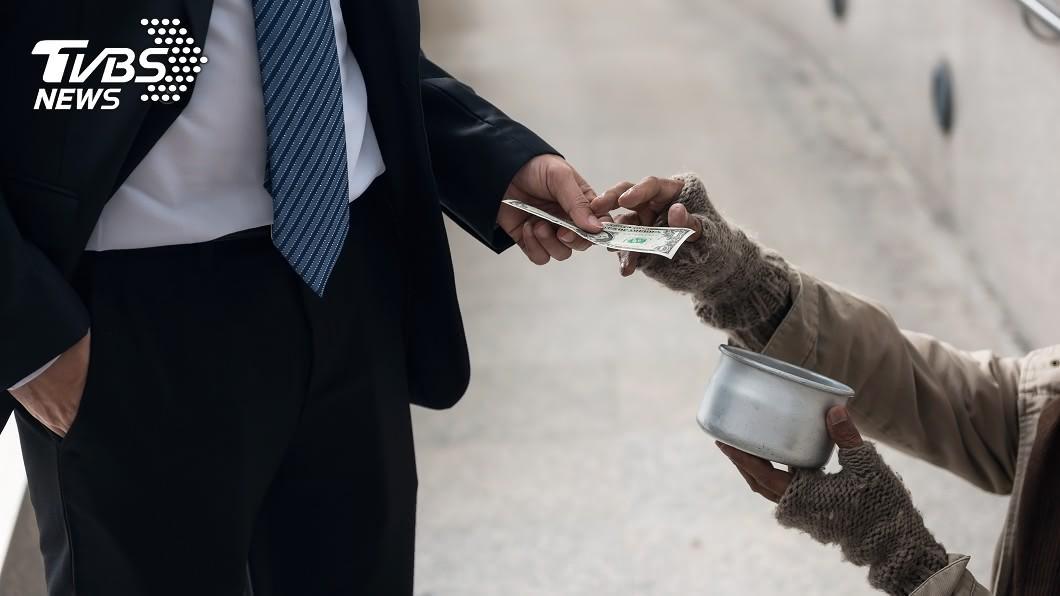 李金剛擔任了8年的「職業乞丐」。示意圖/TVBS 當「乞丐」8年!他娶嬌妻又買房 晉升人生勝利組