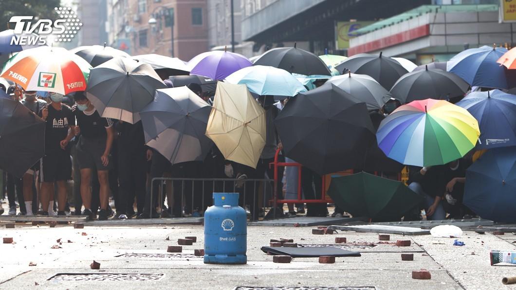 圖/中央社 港警包圍理大觸發新一輪示威 口號:救學生