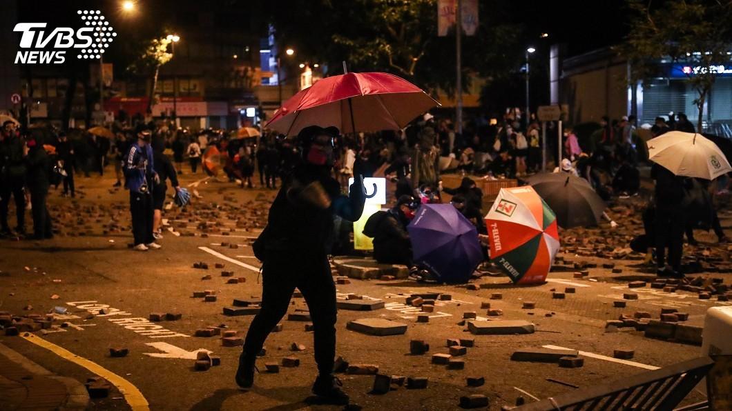 圖/中央社 「禁蒙面法」違憲 中國人大指香港無權決定