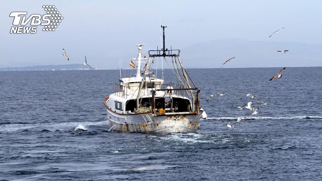 非法捕撈遭罰205萬 船長怒衝官署嗆「把人填海」