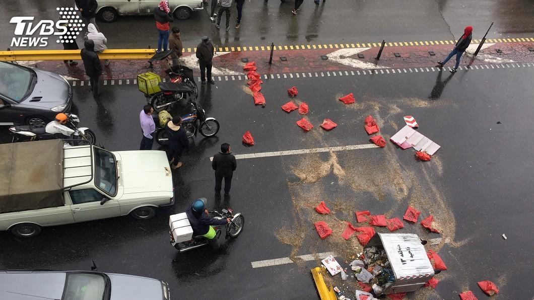 圖/達志影像路透社 伊朗漲油價引發示威 國際特赦組織:至少106死