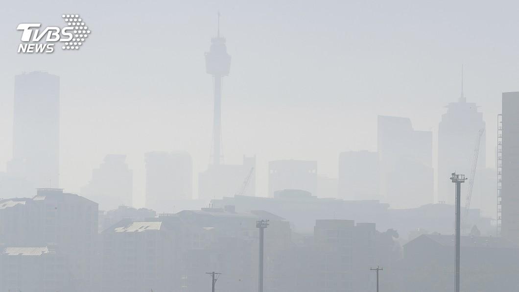 圖/達志影像美聯社 澳洲野火燒不盡 雪梨霧霾籠罩變天空之城