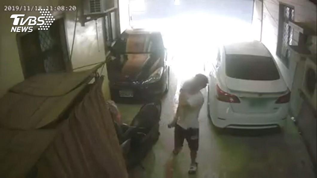 圖/TVBS 男闖車庫遭控欲行竊 報案竟「不受理」