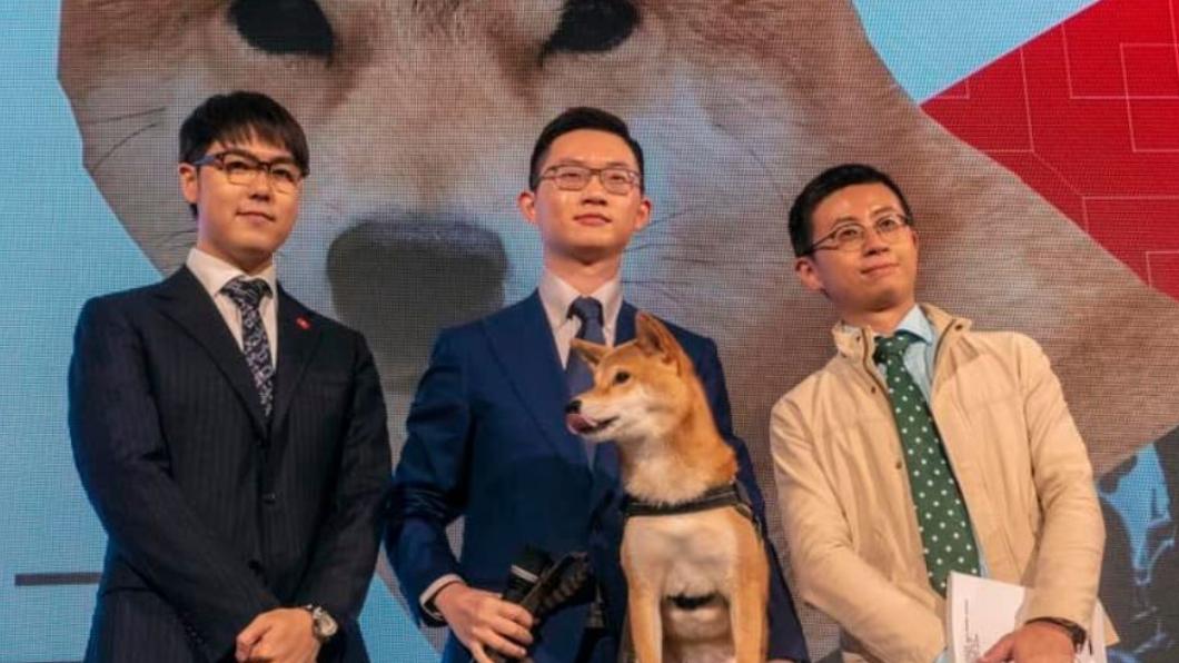 歡樂無法黨創黨成員,張志祺(左)、陳子見(中)、邱威傑(右)。圖/翻攝自歡樂無法黨臉書 政黨申請尚未通過 歡樂無法黨無緣參選2020