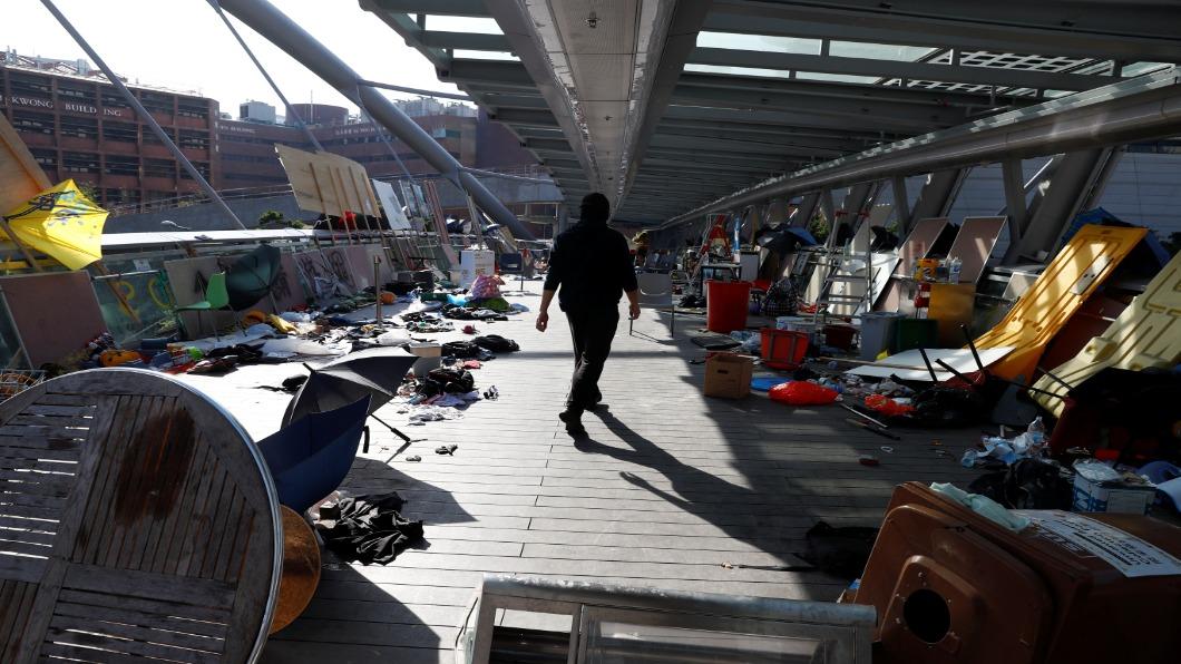 圖/達志影像路透 香港理大滿目瘡痍 50人堅守.區議會將選舉