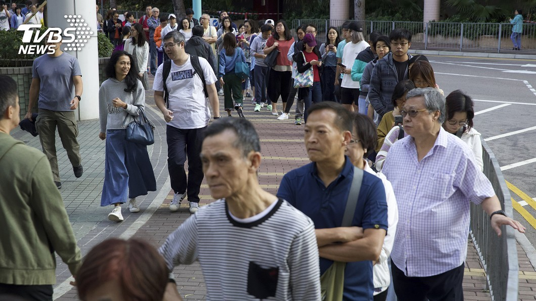 圖/達志影像美聯社 快訊/港區議會投票率創新高 泛民奪逾半席次
