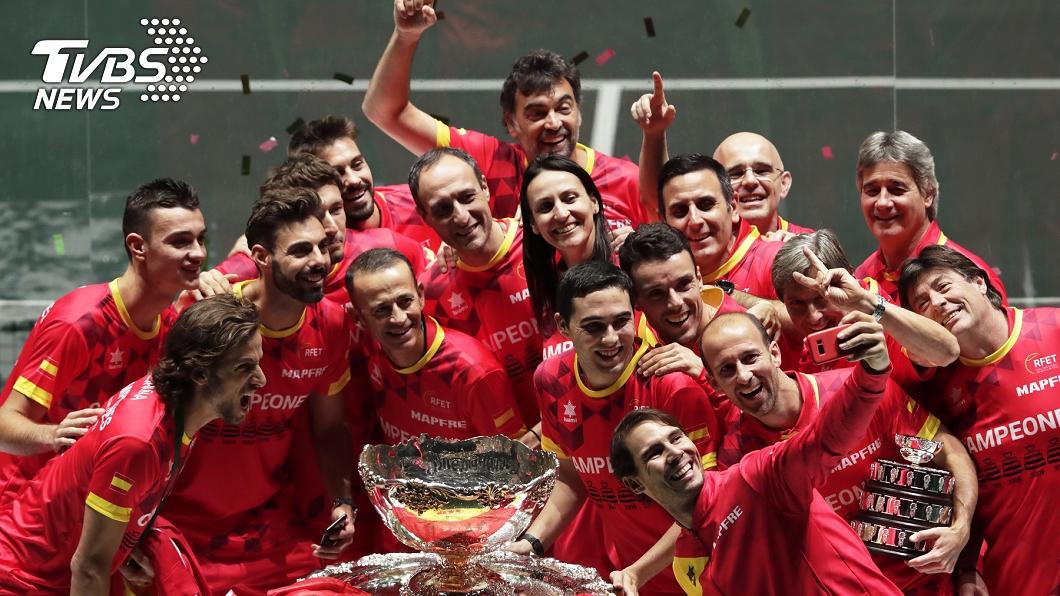 圖/達志影像美聯社 納達爾率西班牙克加拿大 奪台維斯盃網賽冠軍