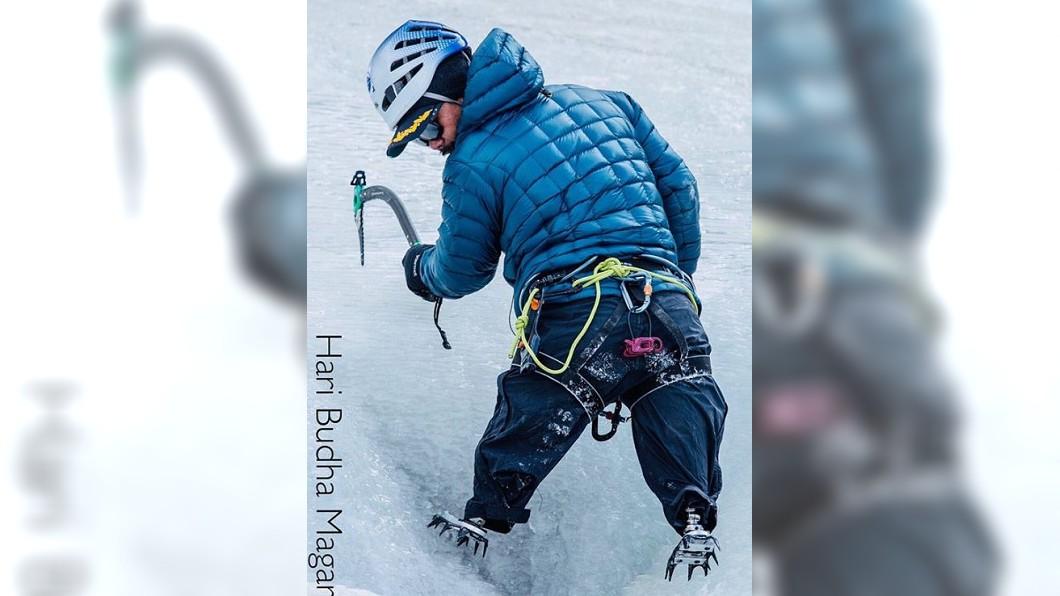 圖/翻攝自Hari Budha Magar臉書 退役軍人雙膝截肢 募款1200萬挑戰登頂聖母峰