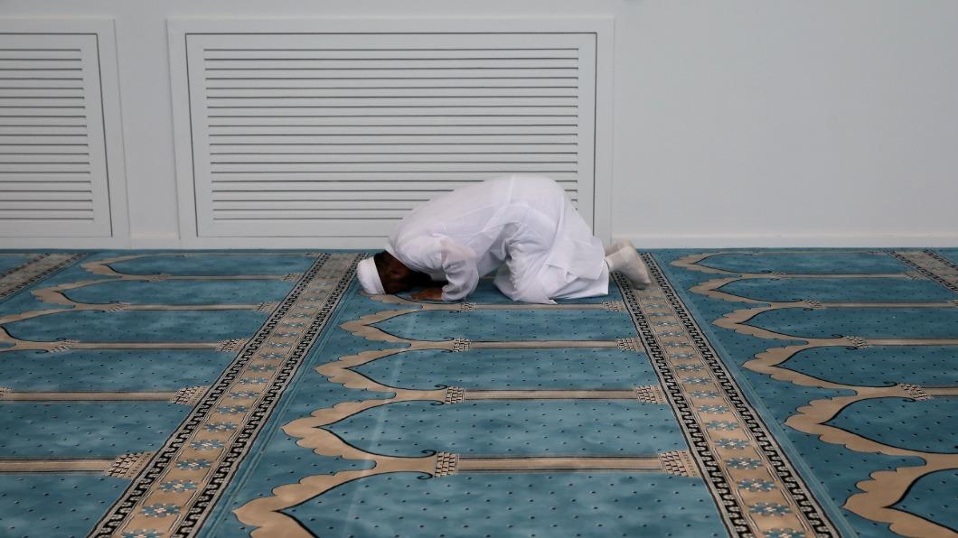 圖/達志影像路透 尋求精神獨立 雅典穆斯林等待清真寺