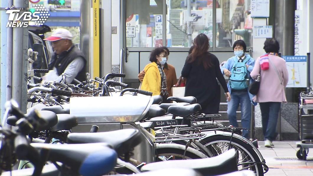 圖/TVBS 找嘸車位! 為Youbike2.0「砍車格」遭質疑