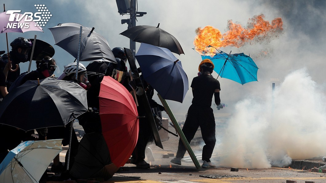 圖/達志影像路透社 川普簽署香港法案 國民黨:不認同武裝砍砸暴民