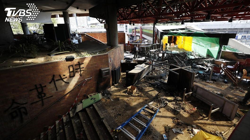 圖/達志影像美聯社 香港理大29日中午解封 但校園仍關閉
