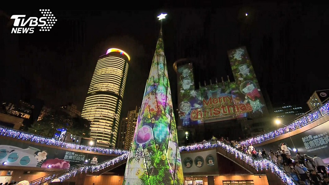 新北耶誕城成為旅客朝聖的耶誕節慶聖地。圖/TVBS資料畫面 限量悠遊卡被搞丟!男友「冷吐1句」…她超心寒