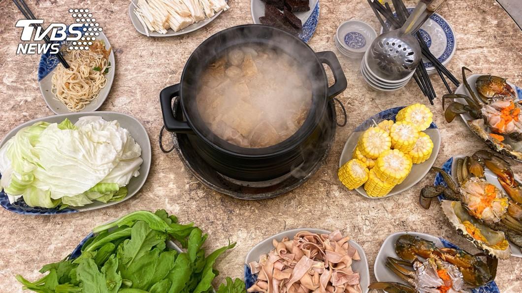 圖/TVBS 薑母鴨為何只賣麵線沒白飯?老饕曝店家「不能說的秘密」