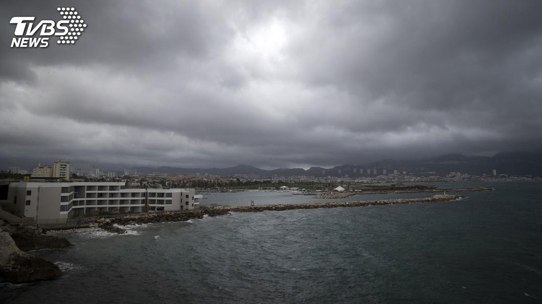 圖/達志影像美聯社 法國南部水患 救援直升機墜毀3人罹難