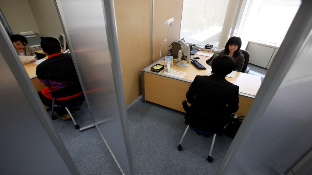 圖/達志影像路透 「就職冰河期世代」求職難 無緣正職淪低薪族