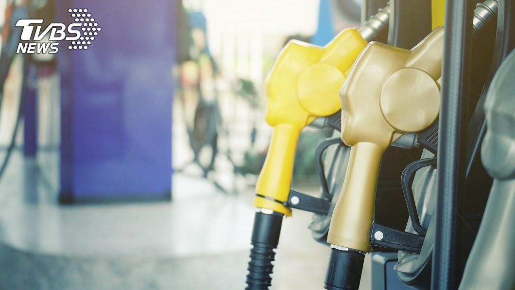 當你的愛車被加錯油時會做出什麼反應呢?示意圖/TVBS 加錯油!店員冷回「92、95汽油一樣」 她超級火大