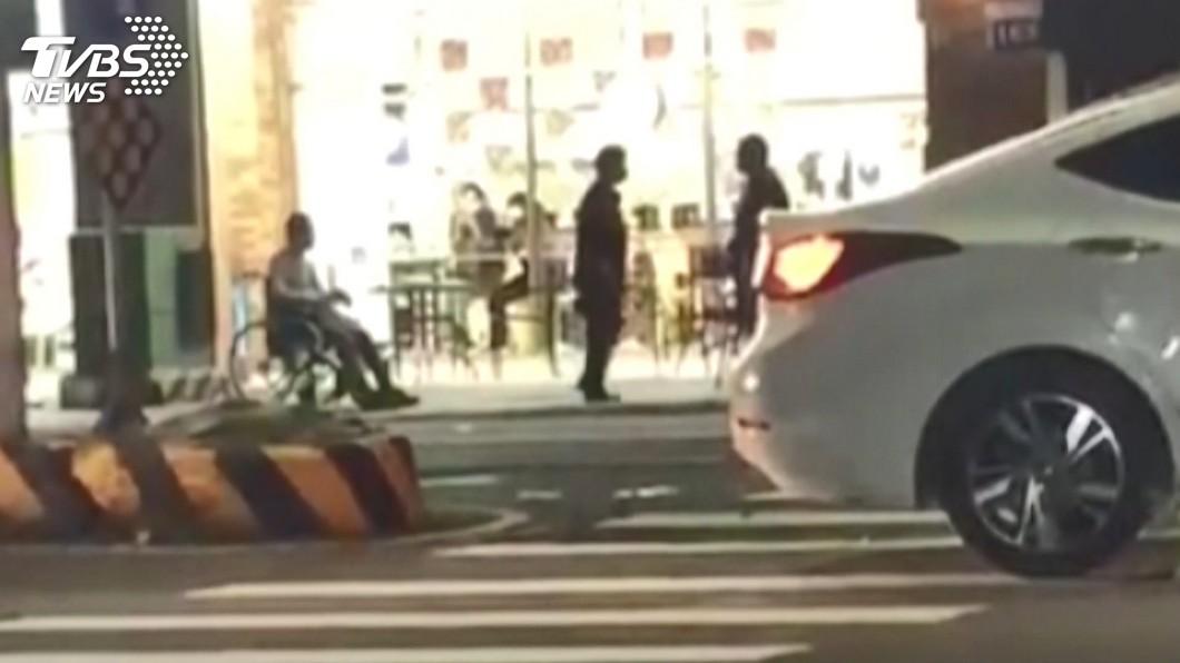 民眾誤認為霸凌! 輪椅男喝醉嗆人引口角